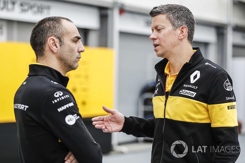 Cyril Abiteboul, director ejecutivo de Renault Sport F1 Team, con Marcin Budkowski, Renault Sport F1 Team