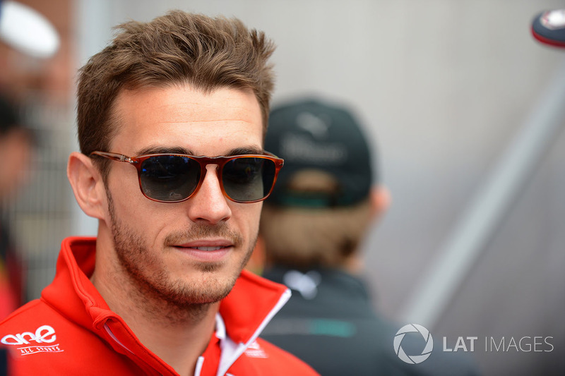 La familia de Leclerc es muy cercana a la de Jules Bianchi, la cual tuvo gran influencia en la carrera de Charles. Bianchi falleció en 2015 como consecuencia de su accidente en Suzuka.