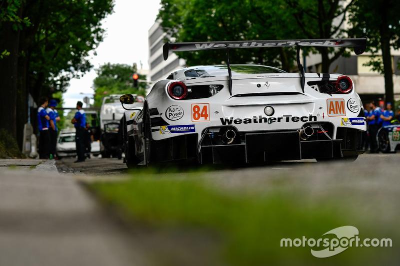 #84 JMW Motorsport Ferrari 488 GTE
