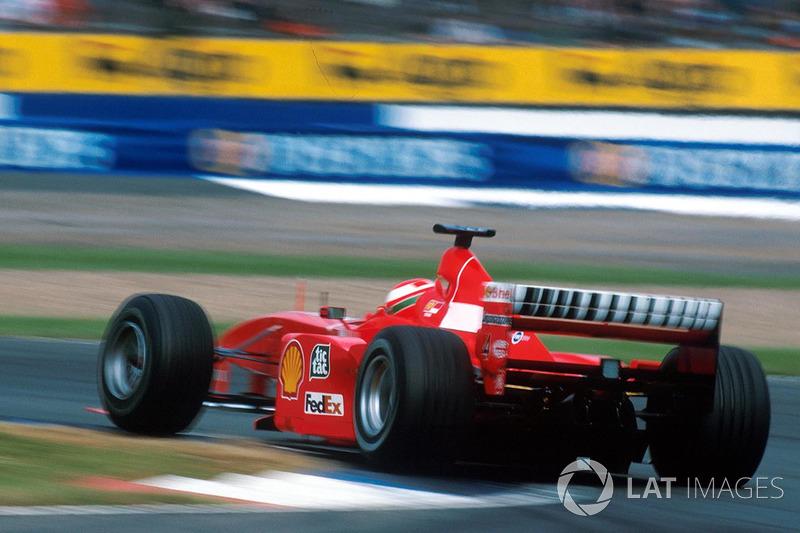El sábado, después la ronda de calificación, Hakkinen ganó la pole position con un tiempo de 1:24.804, por delante de Schumacher, con 0.419 segundos. Coulthard ocupó el tercero, perdiendo ante su compañero por 0.790 segundos; detrás de él quedó Irvine.