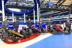 James Hinchcliffe, Jack Harvey, Robert Wickens, Ric Peterson, Michael Shank, Sam Schmidt, mit den Autos von Schmidt Peterson Motorsports