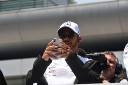 Lewis Hamilton, Mercedes-AMG F1 nella drivers parade