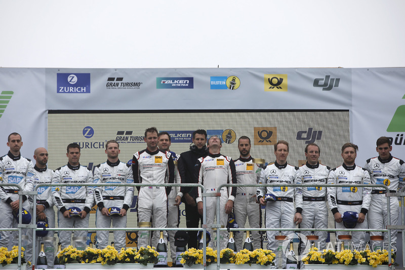 Podium: Ganadores #912 Manthey Racing Porsche 911 GT3 R: Richard Lietz, Patrick Pilet, Frédéric Makowiecki, Nick Tandy, segundos #4 Mercedes-AMG Team Black Falcon Mercedes-AMG GT3: Maro Engel, Adam Christodoulou, Manuel Metzger, Dirk Müller, terceros #5 Me