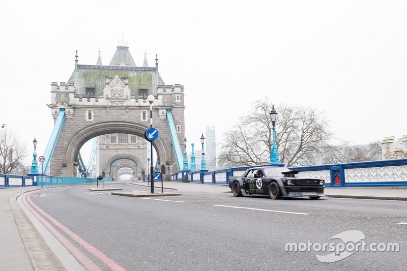 Top Gear liet de complete Tower Bridge afsluiten