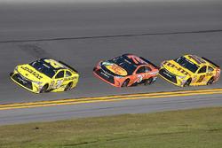 Matt Kenseth, Joe Gibbs Racing Toyota, Kyle Busch, Joe Gibbs Racing Toyota, Martin Truex Jr., Furnit