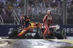 Kimi Raikkonen, Ferrari, Max Verstappen, Red Bull, après l'accrochage