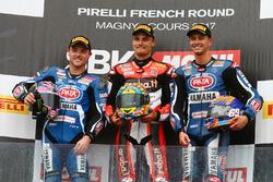 Le podium : le vainqueur, Chaz Davies, Ducati Team, le deuxième, Alex Lowes, Pata Yamaha, et le troisième, Michael van der Mark, Pata Yamaha