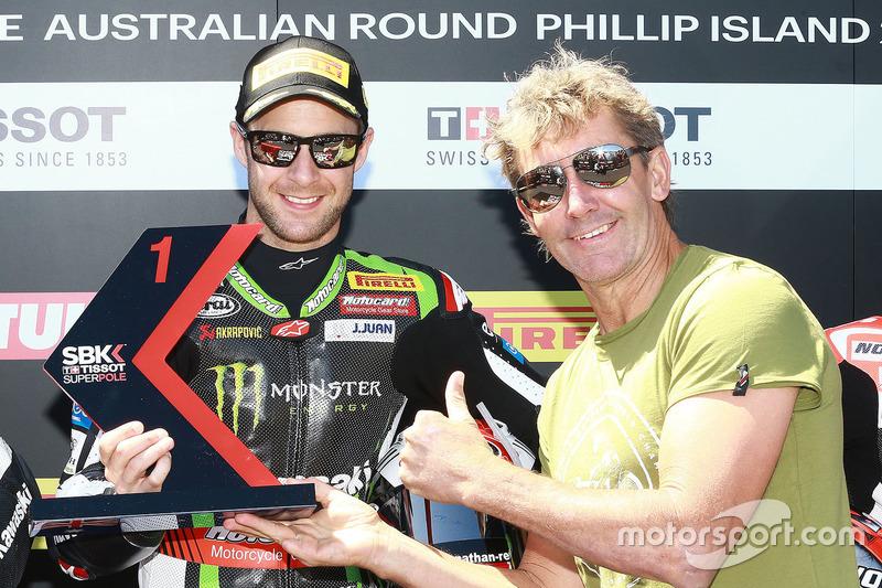 Ganador de la pole Jonathan Rea, Kawasaki Racing with Troy Bayliss