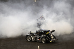 Terry Grant, stunt driver