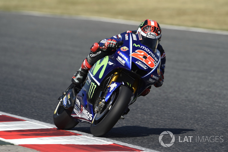 "<img src=""http://cdn-1.motorsport.com/static/custom/car-thumbs/MOTOGP_2017/RIDERS_NUMBERS/Vinales.png"" width=""35"" /> Maverick Viñales (Yamaha Factory Racing)"