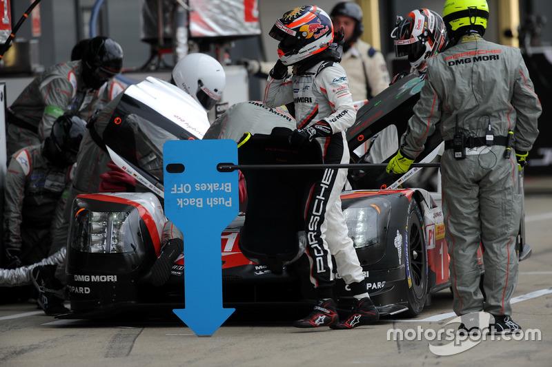#1 Porsche Team Porsche 919 Hybrid: Neel Jani, Andre Lotterer, Nick Tandy