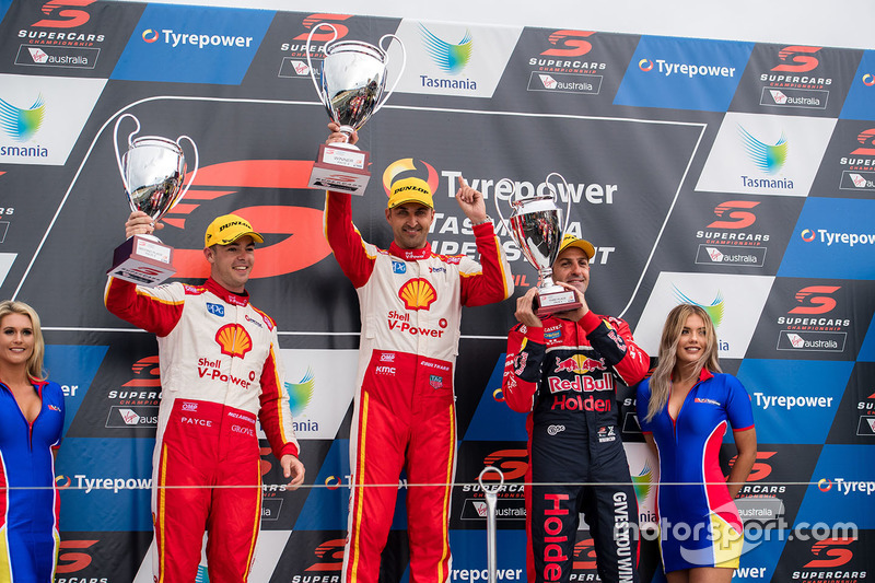 Podium: 1. Fabian Coulthard, Team Penske, Ford; 2. Scott McLaughlin, Team Penske, Ford; 3. Jamie Whincup, , Triple Eight Race Engineering, Holden
