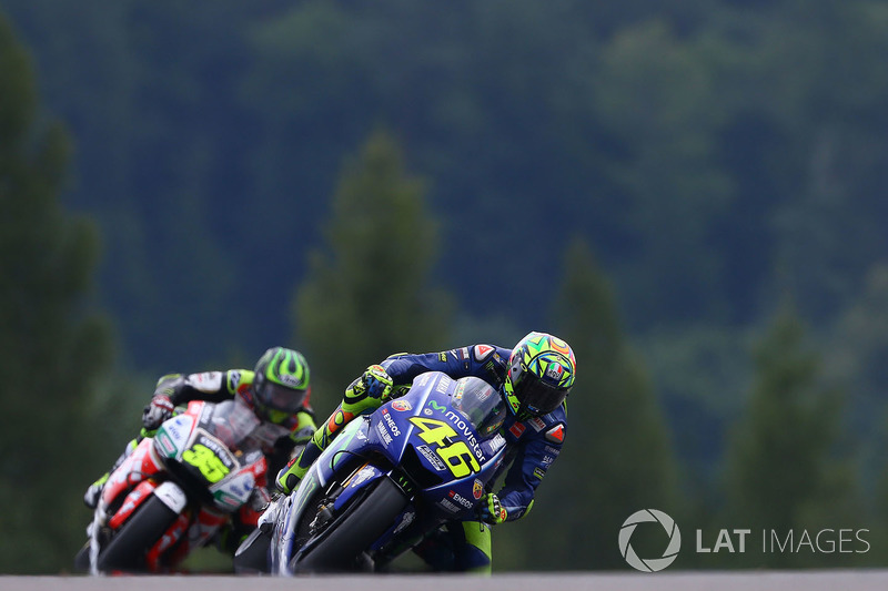 Valentino Rossi, Yamaha Factory Racing, Cal Crutchlow, Team LCR Honda, son turda Rossi önde