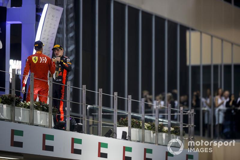Podio: segundo lugar Sebastian Vettel, Ferrari y tercer lugar Max Verstappen, Red Bull Racing