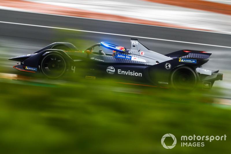 Robin Frijns, Envision Virgin Racing, Audi e-tron FE05 con las nuevas luces LED azules del Halo, en modo ataque