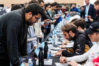 Andre Lotterer, DS TECHEETAH, Jean-Eric Vergne, DS TECHEETAH signs autographs for fans