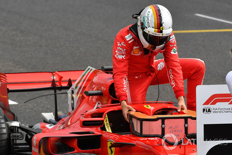 Sebastian Vettel, Ferrari SF71H, dans le parc fermé