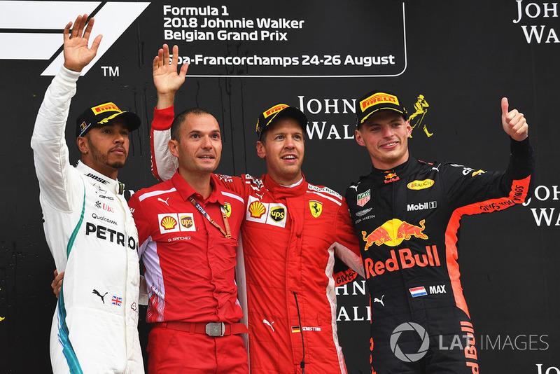 13. GP Belgia - Podium: Sebastian Vettel, Lewis Hamilton, Max Verstappen