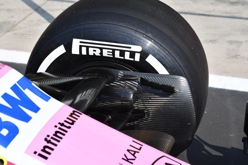 Racing Point Force India VJM11 detalle del conducto del freno delantero
