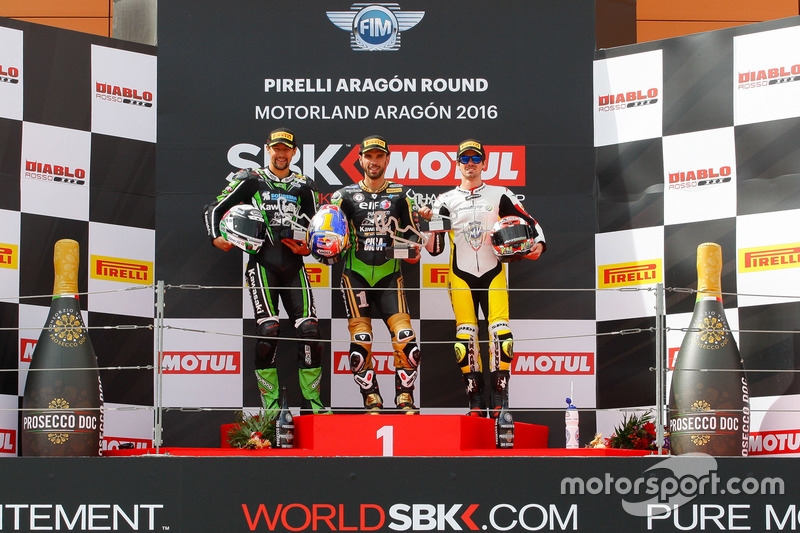 Podium : second place Randy Krummenacher, Puccetti Racing Kawasaki, winner Kenan Sofuoglu, Puccetti Racing Kawasaki, third place Nicolas Terol, MV Agusta