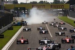 Akash Nandy, Jenzer Motorsport, crashes on the main straight