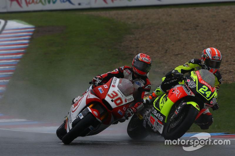 Unfall: Simone Corsi, Speed Up Racing; Takaaki Nakagami, Honda Team Asia