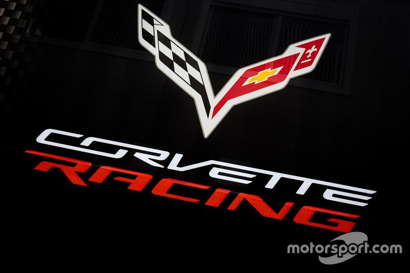 Лого Corvette Racing