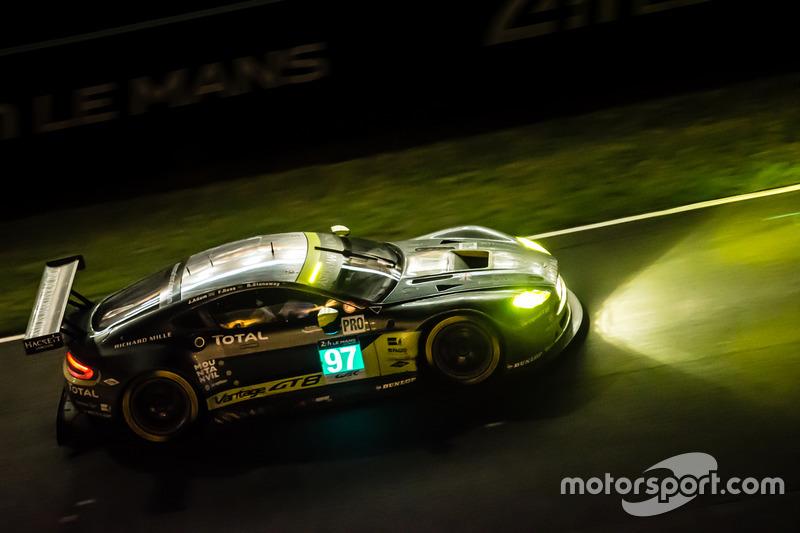 24e: #97 Aston Martin Racing Aston Martin Vantage: Richie Stanaway, Fernando Rees, Jonathan Adam