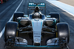 Mercedes AMG F1 W07 Hybrid с шинами Pirelli 2017 года