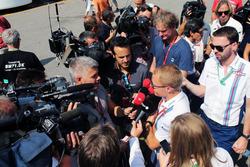 Валттери Боттас, Williams со СМИ