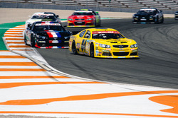Alon Day, CAAL Racing Chebrolet leads Loris Hezemans Hendriks, Motorsport Ford
