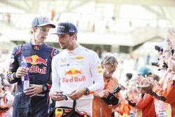Brendon Hartley, Scuderia Toro Rosso, Daniel Ricciardo, Red Bull Racing, en el desfile de pilotos