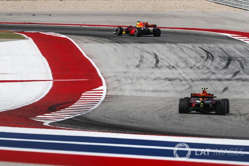 Daniel Ricciardo, Red Bull Racing RB13 y Max Verstappen, Red Bull Racing RB13