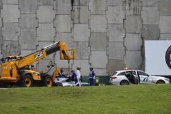 Lewis Hamilton, Mercedes-Benz F1 W08  crashed in Q1