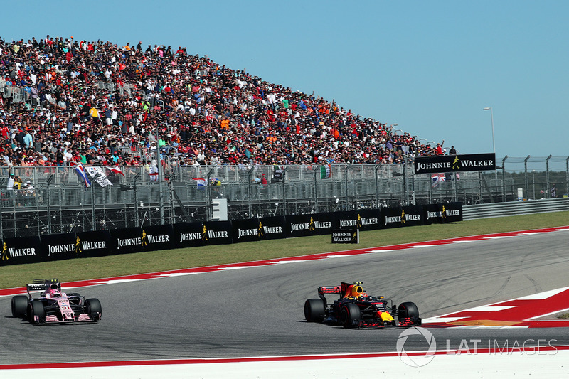 Max Verstappen, Red Bull Racing RB13 y Esteban Ocon, Sahara Force India VJM10