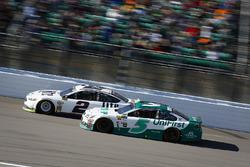 Brad Keselowski, Team Penske, Ford Fusion and Kasey Kahne, Hendrick Motorsports Chevrolet