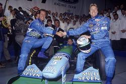 Міхаель Шумахер, Юркі Ярвілехто, Йос Ферстаппен і Флавіо Бріаторе на презентації Benetton B194