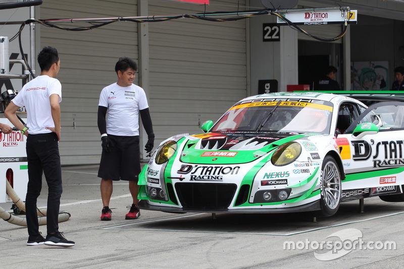 #7 D'station Porsche