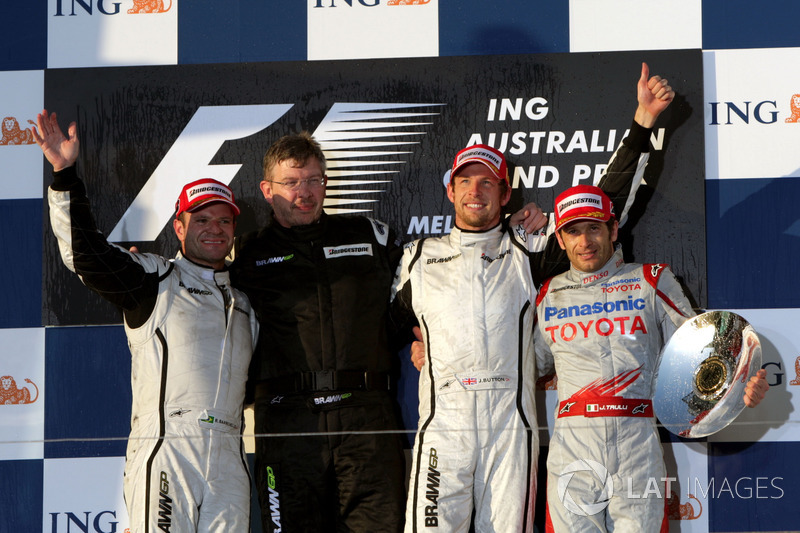 Podium: second place Rubens Barrichello, Brawn GP, Ross Brawn, Brawn GP Team Principal, Jenson Button, Brawn GP, third place Jarno Trulli, Toyota