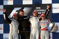 Podium: second place Rubens Barrichello, Brawn GP, Ross Brawn, Brawn GP Team Principal, Jenson Butto