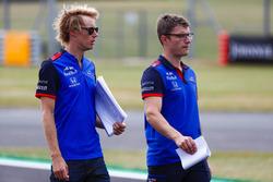 Brendon Hartley, Toro Rosso, walks the track