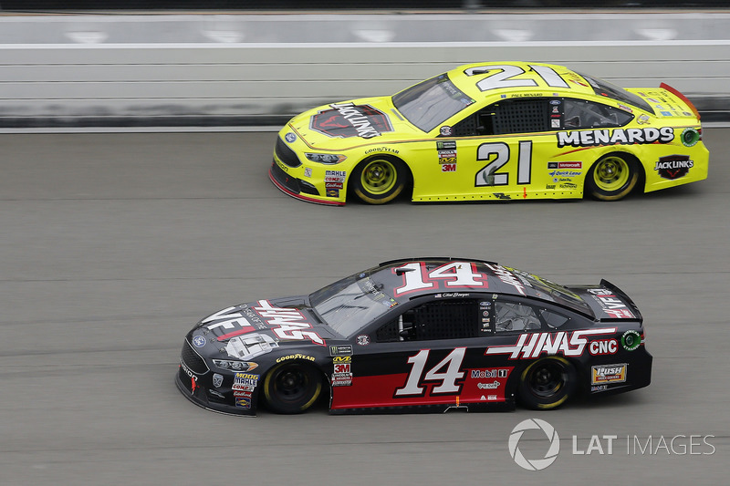 Clint Bowyer, Stewart-Haas Racing, Chevrolet Camaro Haas 30 Years of the VF1 Paul Menard, Wood Brothers Racing, Ford Fusion Menards / Jack Links