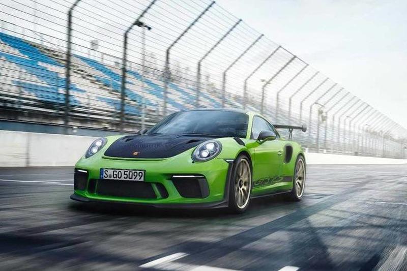 Autó Sportfutómű és 520 lóerős szívómotor az új Porsche 911 GT3 RS-ben