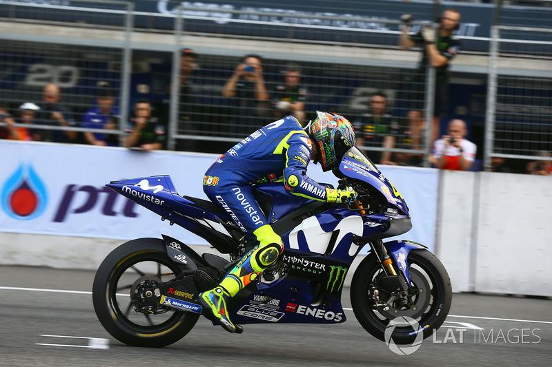 Валентино Россі, Yamaha Factory Racing тренує старт