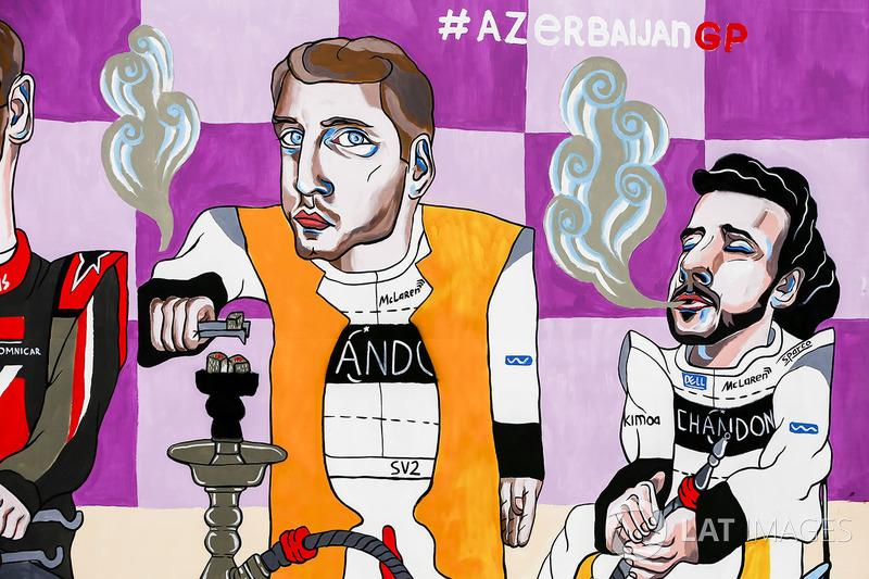 Resim, Stoffel Vandoorne, McLaren, Fernando Alonso, McLaren, smoking Shisha