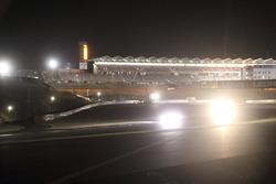 富士スピードウェイで行われた夜間走行テスト/300R