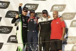 Podium: winnaar Gabriele Tarquini, BRC Racing Team Hyundai i30 N TCR, nummer twee Norbert Nagy, Zengo Motorsport Cupra TCR, nummer drie Yvan Muller, YMR Hyundai i30 N TCR