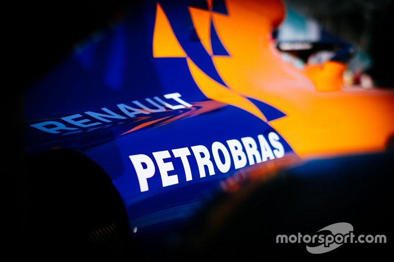 McLaren MCL34, Renault and Petrobas logo