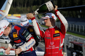 Podium: Robert Shwartzman, PREMA Theodore Racing Dallara F317 - Mercedes-Benz, Mick Schumacher, PREMA Theodore Racing Dallara F317 - Mercedes-Benz