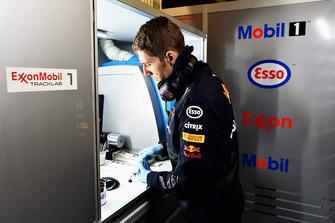 Ingeniero de Red Bull Racing ExxonMobil